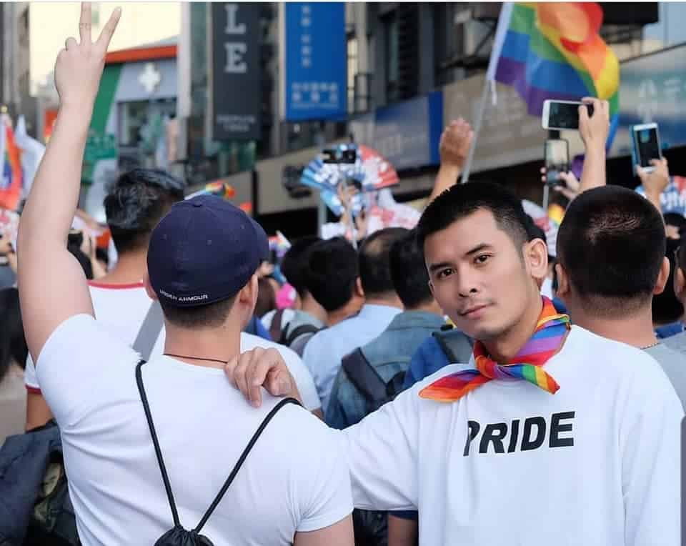 Gay Singapore · Services